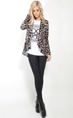 Love the leopard print with the black leggings. So chic!