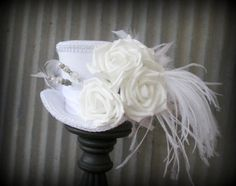 White Mini Top Hat, Steampunk wedding hat, Alice in Wonderland Mini Top Hat, Bridal hat, Mad Hatter Hat, Mad Tea Party Hat, White Roses hat, www.etsy.com/shop/chikibird