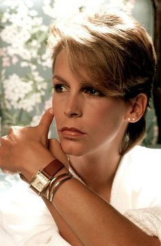 Jamie Lee Curtis, Lady Haden-Guest (born November is an American actress and author. Jamie Lee Curtis Young, Tony Curtis, Janet Leigh, Actrices Hollywood, Hollywood Stars, Beautiful Actresses, American Actress, Divas, Movie Stars