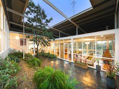 Robin Boyd was a landscape architect House Landscape, Landscape Design, Buy Plants, Courtyard House, Hotel Interiors, Mid Century Modern Design, Palm Springs, Interior And Exterior, Interior Design