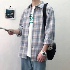 Flannel Shirt Outfit, Flannel Outfits, Mens Flannel Shirt, Plaid Shirts, Cool Outfits, Latest Street Fashion, Mens Clothing Styles, Color Blue, Check Shirt Man