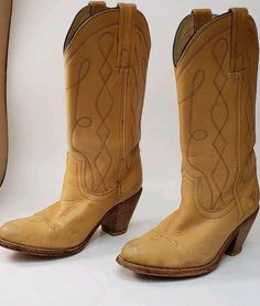 34aed15a302 635 Best Boots images in 2019