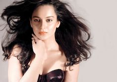 Bollywood actress Kangana Ranaut is now no more just an Actress who plays most of the psychotic character, she is now gearing up for a different and materialistic experience.  The actress has now turned Director for the short film written by an Australian writer.