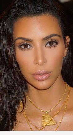 Kim Kardashian makeup, makeup by Mario Dedivanovic - Nikki Dupont - Kim K Makeup, Makeup And Beauty Blog, Flawless Makeup, Hair Beauty, Makeup Tips, Kim Kardashian Wedding, Kardashian Beauty, Kardashian Style, Kim Kardashian Eyebrows