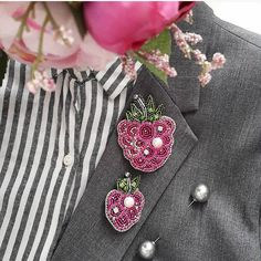 Автор @oxylove_accessories   〰〰〰〰〰〰〰〰〰〰〰〰〰〰 По всем вопросам обращайтесь к авторам изделий!!!  #ручнаяработа #брошьизбисера #брошьручнойработы #вышивкабисером #мастер #бисер #handmade_prostor #handmadejewelry #brooch #beads #crystal #embroidery #swarovskicrystals #swarovski #купитьброшь #украшенияручнойработы #handmade #handemroidery #брошь #кольеручнойработы #кольеизбисера #браслеты #браслетручнойработы #сутажныеукрашения #сутаж #шибори #полимернаяглина #украшенияизполимернойглины