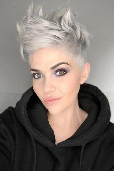 Short-Wavy-Pixie-Hair-Style Wavy Short Hair Styles for Chic Ladies Short Wavy Pixie, Short Pixie Haircuts, Short Hair Cuts, Pixie Cuts, Layered Haircuts, Wavy Bob Hairstyles, Short Hairstyles For Women, Prom Hairstyles, Braided Hairstyles