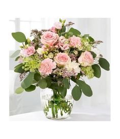 A splendid and sweet bouquet full of life will fill happiness once life. Pink And White Flowers, All Flowers, White Roses, Fresh Flowers, Pink Roses, Pastel Bouquet, Flower Bouquets, Peruvian Lilies, Flower Delivery Service