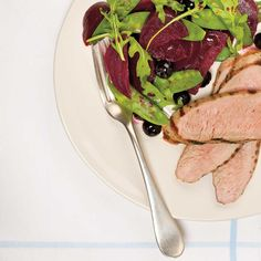 Ricardo's recipe : Grilled Pork Tenderloins with a Beet and Blueberry Salad Barbecue Recipes, Pork Recipes, Blueberry Salad, Ricardo Recipe, No Salt Recipes, Smoked Ribs, Pork Dishes, Learn To Cook, Pork Tenderloins