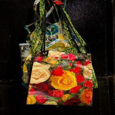 http://bax.fi/ostoskassi-ostaminen - On täysin mahdollista, että ostoskassi ei saa sinulta pienintäkään huomiota, kunnes perustat oman yrityksen. Siihen saakka, käytät niitä vain kantaaksesi kotiin uusimman shoppailureissusi arvokkaan saaiin. Saattaa olla, että jopa säilytät joitakin niistä myöhempää käyttöä varten. #ostoskassi #shoppingbag #kassit #bags #muovikassi #plasticbag #finland