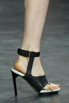 Jason Wu Spring 2015 Ready-to-Wear - Details - Gallery - Look 19 - Style.com