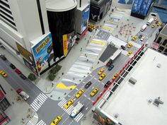 To create a scale model of Times Square the model makers used Google Earth to download pictures of this NYC icon. https://www.kiwimill.com/times-square-model/