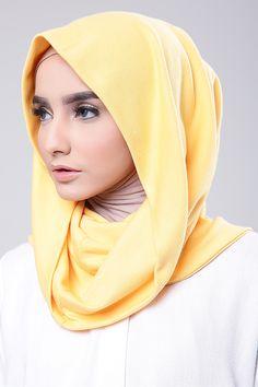 Yellow Arabian Beauty, Beautiful Hijab, Turban, Hijab Fashion, Beauty Skin, Lacoste, Shawl, Hoodie, Yellow