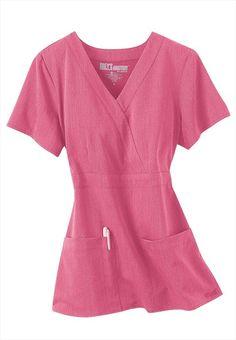 Greys Anatomy Signature Series v-neck wrap scrub top. Love this Color! Cute Nursing Scrubs, Cute Scrubs, Scrub Shoes, Cute Nurse, Medical Uniforms, Medical Scrubs, Cute Outfits, Neck Wrap, Greys Anatomy