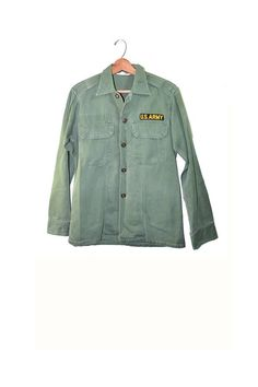 Vintage Army Shirt Army Jacket Green Army Shirt Vietnam Era Military Shirt Long Sleeve Army Shirt Vietnam Utility Shirt Size Medium Vintage Military Uniforms, Military Shirt, Army Shirts, Army Tags, Formal Dresses For Weddings, Romper Pants, Green Jacket, Sweater Shirt, Types Of Fashion Styles