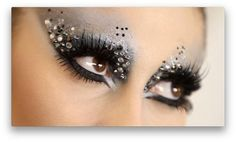 Dramatic and sparkly eye makeup tutorial