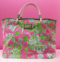 Bold pink and lime green floral bag. Will I ever be able to look at pink and green floral fabric without thinking immediately of Lilly Pulitzer? Lilly Pultizer, Preppy Handbook, Preppy Style, My Style, Eliana, Preppy Southern, Southern Prep, Lilly Pulitzer Bags, We Are The World