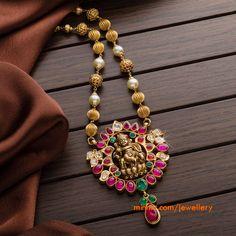 indian gold jewellery, diamond jewellery, temple jewellery, antique jewellery, ruby and emerald jewellery collection Emerald Jewelry, Gold Jewelry, Beaded Jewelry, Jewelry Necklaces, Jewelery, Bridal Jewelry, Engagement Jewellery, India Jewelry, Temple Jewellery