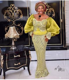 Hello Diva scroll down we show you latest Ankara Aso ebi styles 2019 to Rock every occassion and look extra odinary beautiful. African Fashion Ankara, Latest African Fashion Dresses, African Print Fashion, African Prints, African Wedding Attire, African Attire, African Wear, African Outfits, African Women