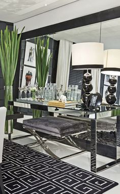 Luxe silver and black interior design setting Decor, Room Design, Home Decor, House Interior, Home Deco, Luxury Interior Design, Living Room Grey, Interior Design, Home And Living