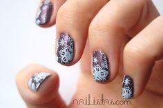 #Flormar nail enamel 418 // Navidad // Uñas decoradas con copos de nieve // #Christmas #NailArt