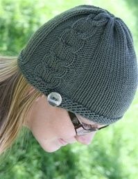Side Cable Hat - http://www.knittingboard.com/