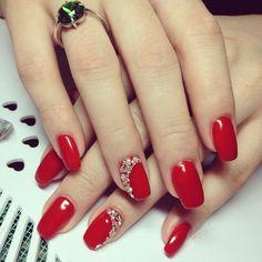 Make an original manicure for Valentine's Day - My Nails Red Acrylic Nails, Red Nail Art, Gel Nails, Nail Polish, Maroon Nail Designs, Nail Art Designs, Elegant Nails, Stylish Nails, Love Nails