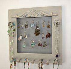 cute way to hang jewelry