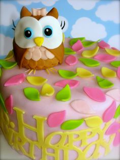 Adorable Owl Cake--- @k . Whitecotton This would be sooo cute for Chapel's birthday...