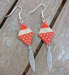 Miyuki pearl earrings, red, gold and silver - Jewelry Brick Stitch Earrings, Seed Bead Earrings, Beaded Earrings, Pearl Earrings, Silver Earrings, Seed Beads, Beaded Jewelry Patterns, Beading Patterns, Bead Jewellery