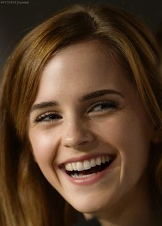 Keeping you up to date with all things Emma Watson since Enjoy! Emma Watson Cute, Ema Watson, Emma Watson Style, Emma Watson Beautiful, Hermione Granger, Emma Watson Sexiest, Lily Collins, Girl Photography Poses, Beautiful Smile