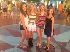 Brooke, Paige, Chloe, and Maddie posing for a magazine Dance Moms Dancers, Dance Mums, Dance Moms Girls, Beautiful Little Girls, Cute Little Girls, Hot Girls, Chloe And Paige, Chloe Lukasiak, Salsa Dress
