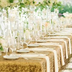 http://www.modwedding.com/2014/10/27/were-smitten-with-these-stunning-wedding-flower-ideas/ #wedding #weddings #wedding_centerpiece via ZEST floral and event design