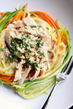 zucchini noodles with chicken and peanut sauce