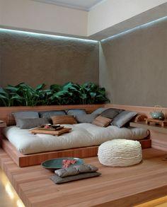 Sala de descanso realmente relaxante, um local confortável para deitar num ambiente lindo e com verde! Projeto: Juliana Boer e Maira Dela Neri