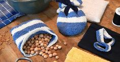 Was tun mit Kirschkernen? Verwerte sie einfach weiter und mache daraus ein heilsames Kirschkernkissen. Zum Wärmen und zum Kühlen! Auch mit Weintraubenkernen