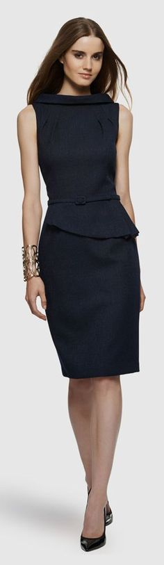Vestido preto David Meister Cocktail Dress. Belted-peplum-sheath-dress