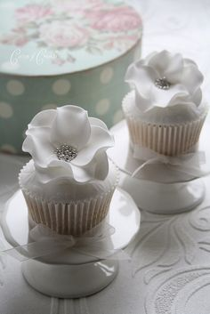 Cupcakes Take The Cake: the Winter Wedding Cupcake series...Part 1