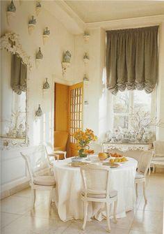 Michael Hampton: Sala Bianca 945- The Beauty of White