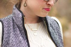 Herringbone vest with a thick cream cable knit sweater #winterstyle #fallstyle #herringbone