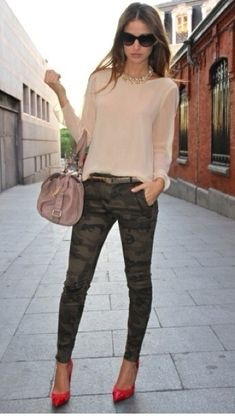 Buy the look on Lookastic: lookastic.fr / … – Black sunglasses – Gold necklace – Beige long sleeve blouse – Beige leather satchel – Dark green camouflage skinny jeans – Red leather pumps Source by Camo Pants Outfit, Camo Outfits, Casual Outfits, Camo Fashion, Look Fashion, Fashion Outfits, Womens Fashion, Street Fashion, Latest Fashion