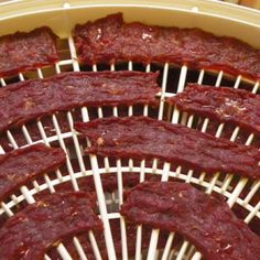 Use your countertop, electric dehydrator to make nitrate free, protein packed, flavorful jerky everyone will love :) Beef Jerky Dehydrator, Dehydrator Recipes, Cheese Appetizers, Appetizer Recipes, Simple Beef Jerky Recipe, Jerkey Recipes, Electric Foods, Protein Pack, Recipe For 4