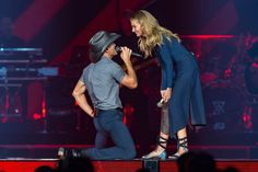 Faith Fans Forever! (@FaithHill_Fans) | טוויטר Country Love Songs, Country Singers, Country Boys, Country Music, Country Strong, Celebrity Couples, Celebrity News, Young Celebrities, Celebs