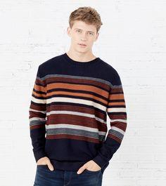 #Siga à #risca esta #tendência: a #moda das #stripes! | #trendy #fashion #CAMISOLA #DECOTE #REDONDO #RISCAS #JACQUARD #springfield