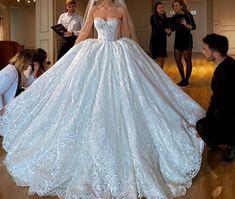 Pretty Prom Dresses, Cute Wedding Dress, Wedding Dress Trends, Princess Wedding Dresses, Dream Wedding Dresses, Bridal Dresses, Wedding Gowns, Wedding Ideas, Quince Dresses