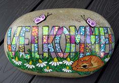040916 sten til karin og anders Pebble Painting, Pebble Art, Stone Painting, Summer Crafts, Diy And Crafts, Rock Painting Patterns, Posca, Zen Doodle, Paint Designs