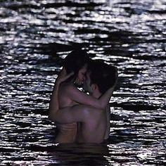 Edward and Bella Cullen(Twilight movies). Twilight Edward, Twilight Cast, Twilight New Moon, Twilight Pictures, Twilight Series, Twilight Movie, Bella Cullen, Edward Bella, Edward Cullen
