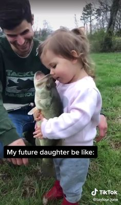 From birth, we are inclined to love – funny kids Funny Baby Memes, Funny Video Memes, Funny Relatable Memes, Funny Jokes, Baby Humor, Cute Funny Babies, Funny Cute, Haha Funny, Cute Kids