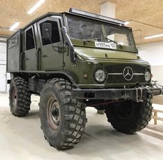 Mercedes-Benz Unimog 4x4