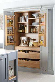Kitchen Pantry Design, Kitchen Redo, Modern Kitchen Design, Home Decor Kitchen, Kitchen Interior, Kitchen Pantry Cabinets, Smart Kitchen, Kitchen Drawers, Small Kitchen Pantry