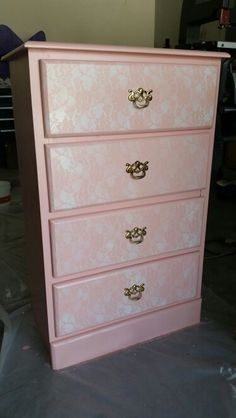 Girls lace dresser
